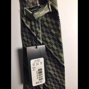 Murano Nee w/ Tag Green Necktie